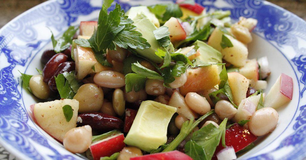 Pupiņu salāti - 10 receptes ar pupiņām